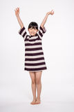 -被隔绝的少年亚洲女孩儿童演播室画象射击 库存照片