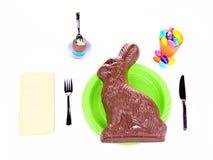 -被隔绝的巨型巧克力兔宝宝概念 库存照片