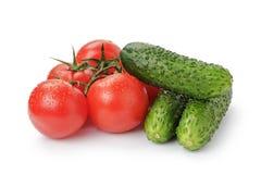 被隔绝的成熟蕃茄黄瓜 免版税库存照片