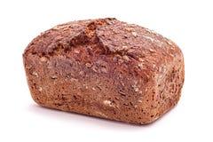 被隔绝的新鲜的被烘烤的整个wehat面包 库存图片