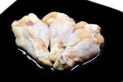 被隔绝的新鲜的鸡翼 免版税库存照片