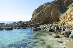 被隔离的海滩小海湾 库存图片