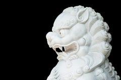 被隔绝的白色狮子头雕象 免版税库存图片
