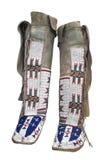 被隔绝的美国本地人鹿皮鞋。 库存照片