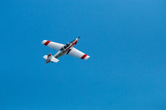 被隔绝的飞行表演飞机 免版税库存照片