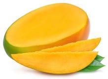 被隔绝的水多的成熟芒果 库存照片
