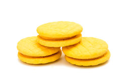 被隔绝的黄色双重果子饼干 免版税库存图片