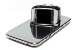 被隔绝的Smartwatch和phablet 免版税库存图片