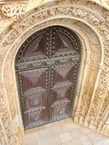 被雕刻的门花梢葡萄牙 库存照片