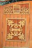 被雕刻的木门 免版税库存图片