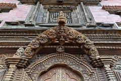 被雕刻的木细节。Patan,尼泊尔 库存图片
