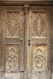 被雕刻的门老木 库存照片