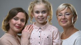 被领养的女孩画象有新的爱恋的家庭的,儿童权利,保护 影视素材