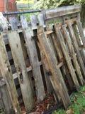 被风化的木板台 免版税库存图片