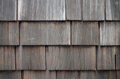 被风化的木瓦房屋板壁 库存图片