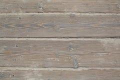被风化的桑迪木木板走道板条 免版税库存照片