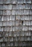 被风化的棚子木瓦 免版税库存图片