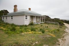 被风化的澳大利亚海滨别墅典型 免版税库存照片