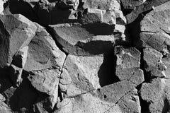 被风化的玄武岩镇压表面岩石影子 库存图片