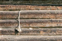 被风化的老木表面,与绳索的纹理,难看的东西设计的,样式,背景,拷贝空间老木板条 免版税库存照片