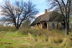 被风化的被放弃的房子例证纸张打印农村被弄脏的葡萄酒 免版税库存图片