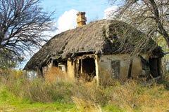 被风化的被放弃的房子例证纸张打印农村被弄脏的葡萄酒 免版税库存照片