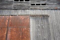 被风化的谷仓 免版税库存图片