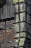 被风化的金属烟囱 免版税库存照片