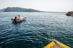 被系住的小船 库存照片