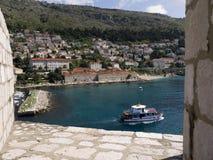 被围住的市Dubrovnic在克罗地亚欧洲它是其中一个最令人愉快的旅游胜地地中海 杜布罗夫尼克是 免版税库存照片
