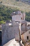 被围住的市Dubrovnic在克罗地亚欧洲 杜布罗夫尼克起绰号亚得里亚的`珍珠 库存图片