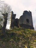 被破坏的中世纪塔,威尔士,英国 图库摄影