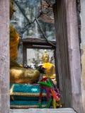 被破坏的和古老佛教寺庙 库存图片