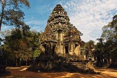 被破坏的和碧绿寺庙在吴哥,柬埔寨 免版税图库摄影