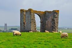 被破坏的塔,升火, Hartland,德文郡,英国 免版税库存图片