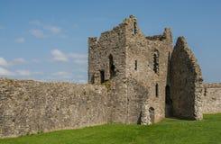 被破坏的威尔士城堡 库存照片