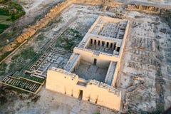 被破坏的寺庙,埃及鸟瞰图  库存照片