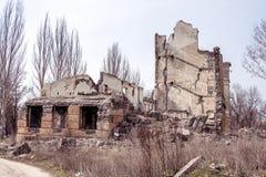 被破坏的教学楼 免版税库存图片