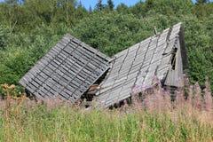被破坏的木议院 免版税库存图片