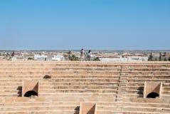 被破坏的罗马斗兽场下午在突尼斯 免版税库存图片