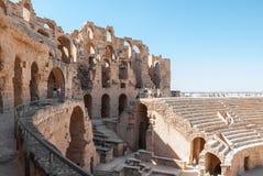 被破坏的罗马斗兽场在突尼斯, El Jem 库存图片