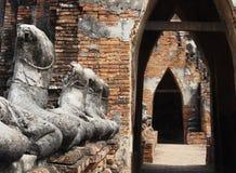 被破坏的菩萨图象,阿尤特拉利夫雷斯,泰国 免版税图库摄影