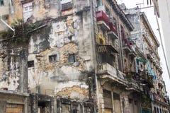 被破坏的/老大厦哈瓦那,古巴 库存图片