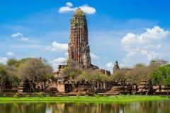 被破坏的Phra Ram寺庙在阿尤特拉利夫雷斯,泰国 库存图片
