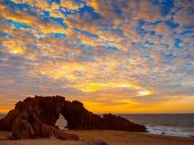 被钻孔的石海滩 图库摄影