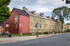 被更新的老石头营房在弗雷德里克顿, NB,加拿大 免版税库存照片