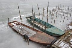被击毁的小船 库存图片