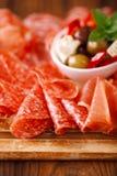 被治疗的肉开胃小菜盛肉盘  库存图片