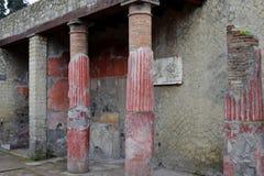 被绘的专栏,赫库兰尼姆考古学站点,褶皱藻属,意大利 库存照片