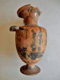 被黏贴的古色古香的花瓶 免版税库存图片